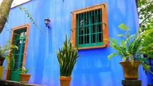 Soñando con… recorrer la Casa Azul de Frida Kahlo en México DF/Dreaming of… visiting Frida Kahlo's Casa Azul (Blue House) in Mexico City