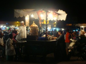 Ramadn en la plaza Jamaa el Fna en Marrakech/Ramadan in Jamaa el Fna square in Marrakech