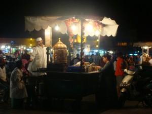 Ramadán en la plaza Jamaa el Fna en Marrakech/Ramadan in Jamaa el Fna square in Marrakech