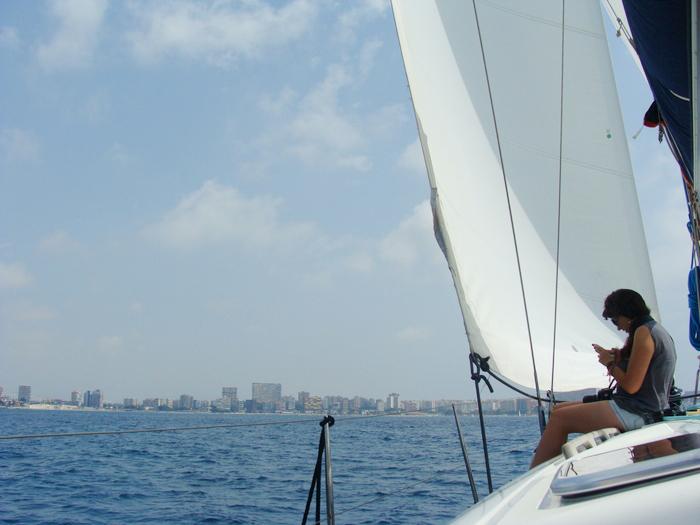 Paseo en velero con La Reina Azul en Alicante