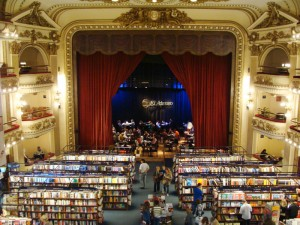 El Ateneo Grand Splendid: una librera-cafetera en un antiguo teatro de Buenos Aires/El Ateneo Grand Splendid: a bookshop and caf in a former theatre of Buenos Aires