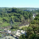 Entre Brasil y Argentina: Cataratas de Iguaz/Between Brazil and Argentina: Iguazu Falls