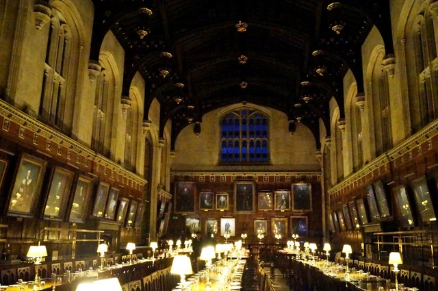 Tras los pasos de harry potter en oxford following in the for Comedor harry potter