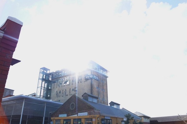Lo más nuevo de Ciudad del Cabo: Old Biscuit Mill en Woodstock/The newest in Cape Town: Old Biscuit Mill in Woodstock